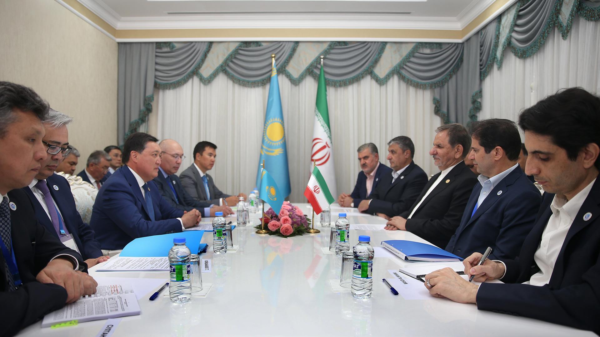 Аскар Мамин принял участие в I Каспийском экономическом форуме в Туркменистане 2