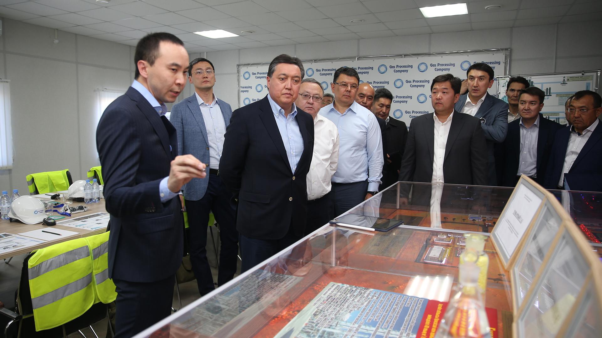 Аскар Мамин требует устранить дискриминацию казахстанских рабочих 1