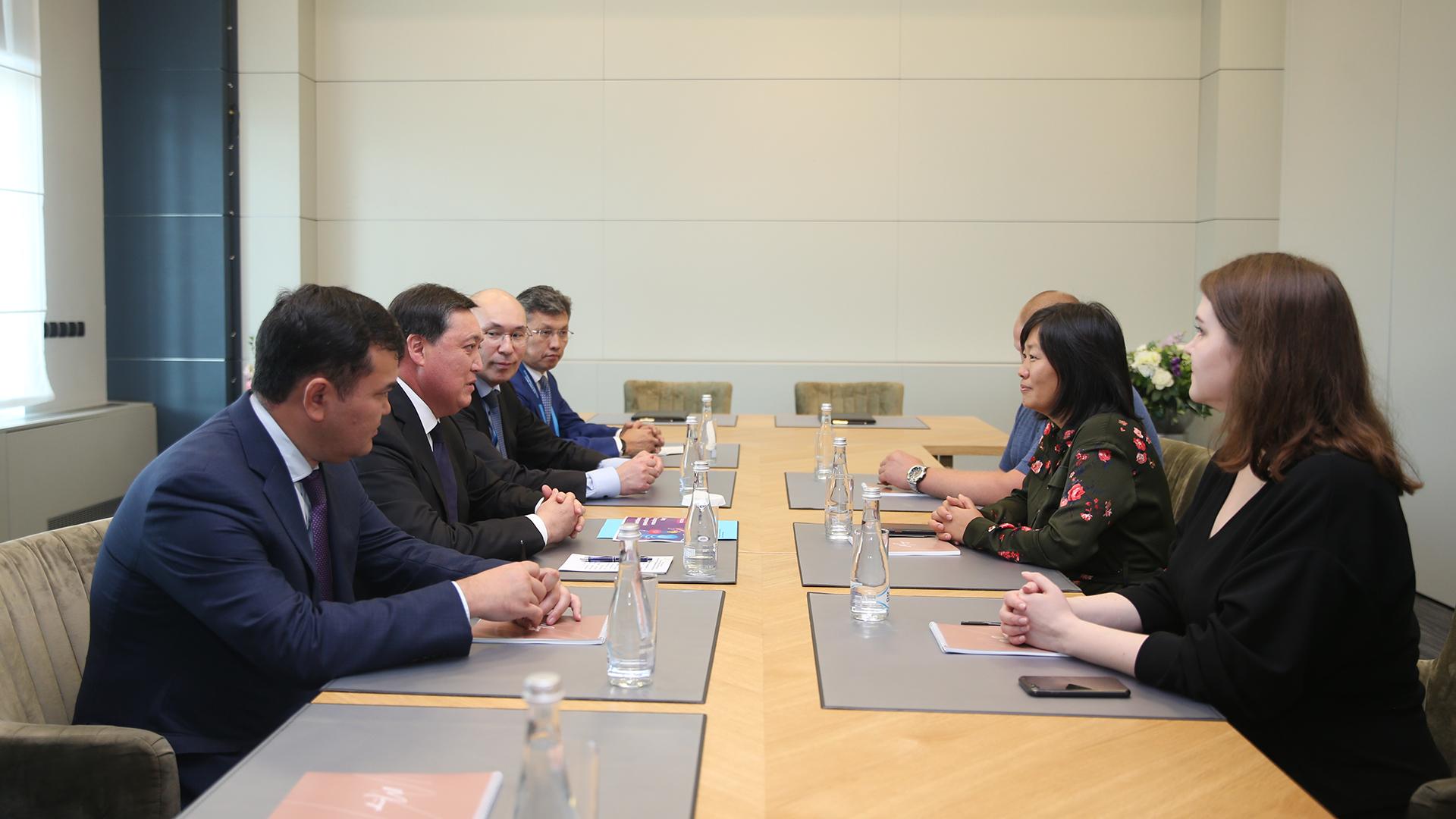 Аскар Мамин и Дмитрий Медведев обсудили казахстанско-российское сотрудничество 2