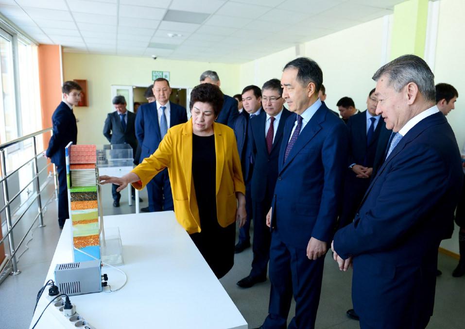 Премьер-Министр РК Бакытжан Сагинтаев посетил Назарбаев интеллектуальную школу города Семей