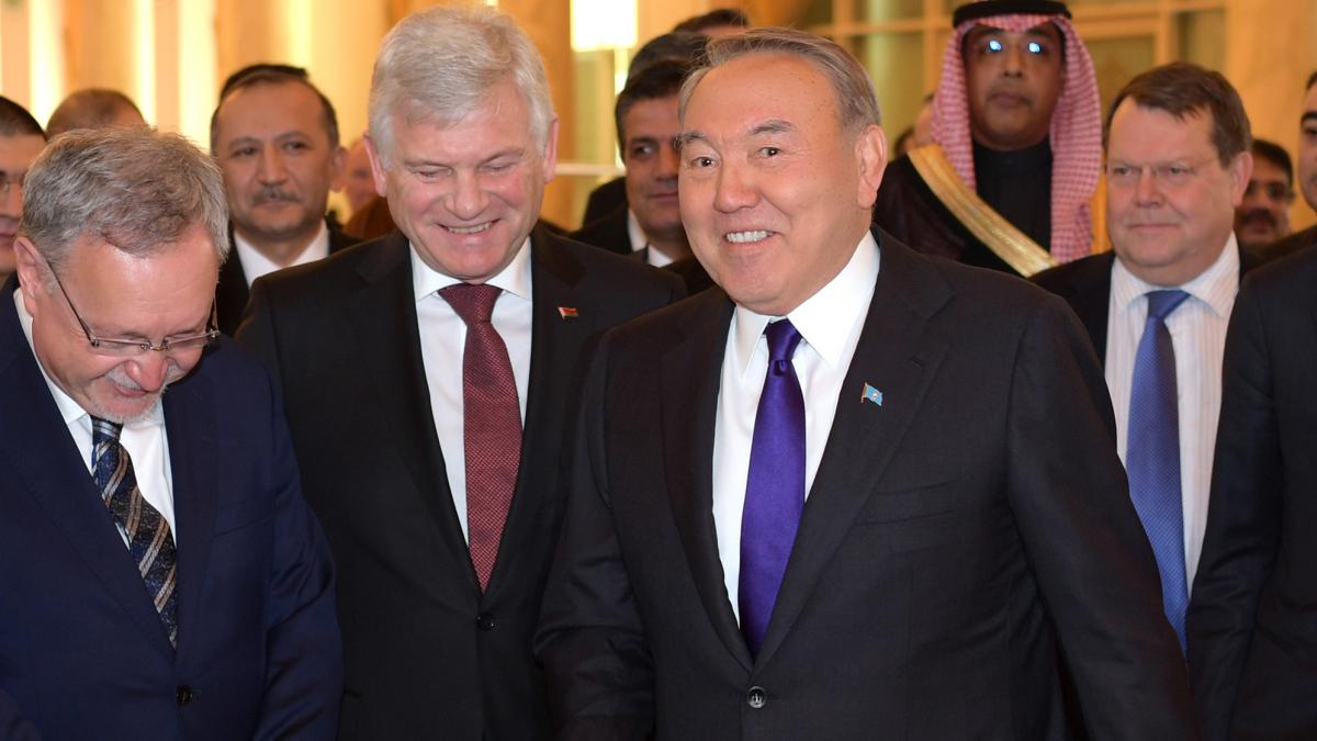Глава государства встретился с представителями иностранного дипломатического корпуса