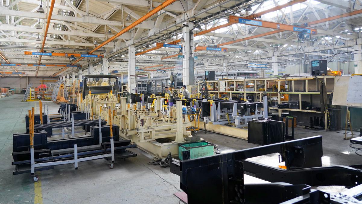 Рабочая поездка в ВКО: Бакытжан Сагинтаев ознакомился с развитием обрабатывающей промышленности в Семее