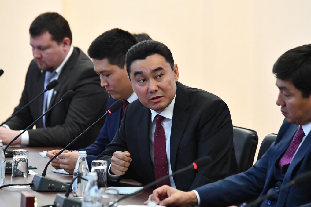 Рабочая поездка в Алматы: Бакытжан Сагинтаев обсудил с молодыми учеными перспективы развития науки в Казахстане