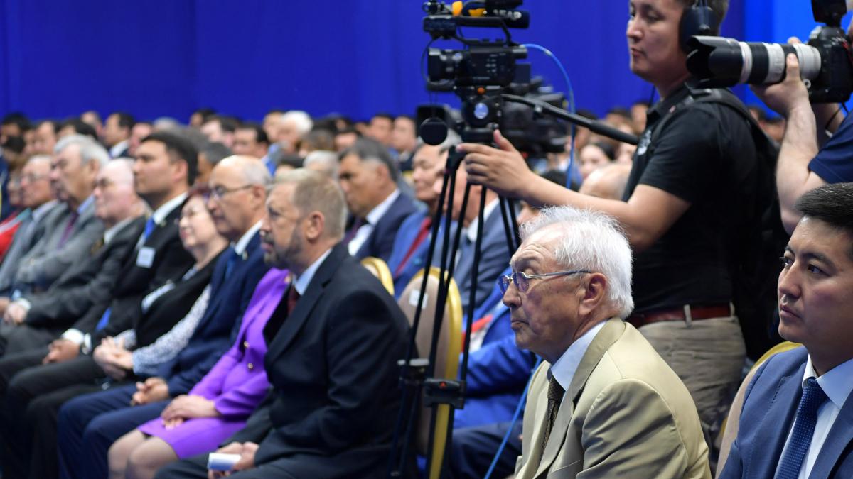 Глава государства К. Токаев встретился с представителями общественности Западно-Казахстанской области