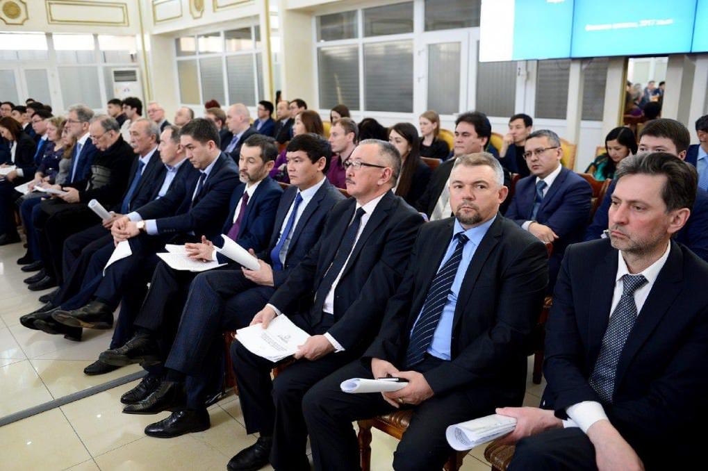 Prime Minister of Kazakhstan Bakytzhan Sagintayev discussed with entrepreneurs of East Kazakhstan region the prospects for business environment