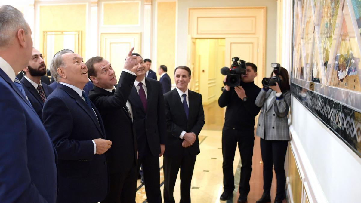 Нурсултан Назарбаев провел встречу с членами Совета глав правительств стран-участниц СНГ